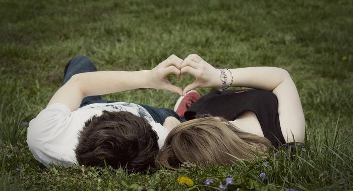 Khi yêu cần tìm hiểu những gì về bạn trai và bạn gái?