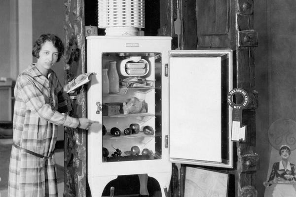 Tủ lạnh ra đời năm nào?